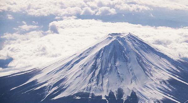 Núi Phú Sĩ có tên là Fuji nhưng được phiên âm theo tiếng Hán Việt thì đọc thành Phú S