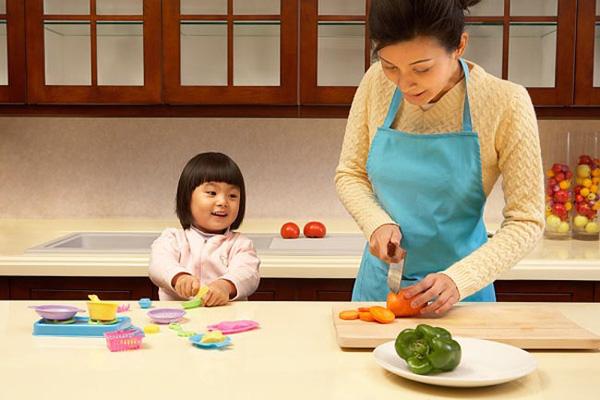 Trong gia đình Nhật ai là người giữ tiền?