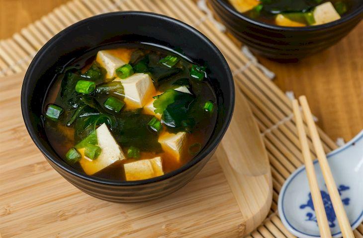 Súp Miso món canh truyền thống của ngưới Nhật