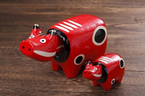 Linh vật biểu tượng may mắn của Nhật Bản – Bò đỏ Akabeko