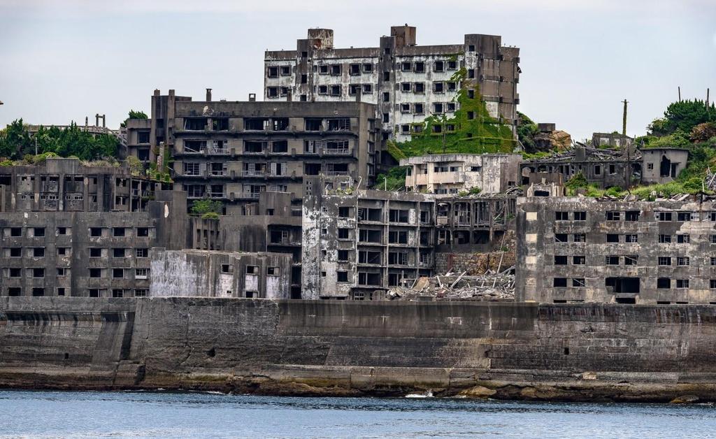 Hình ảnh hoang vu, trống vắng của đảo ma Hashima