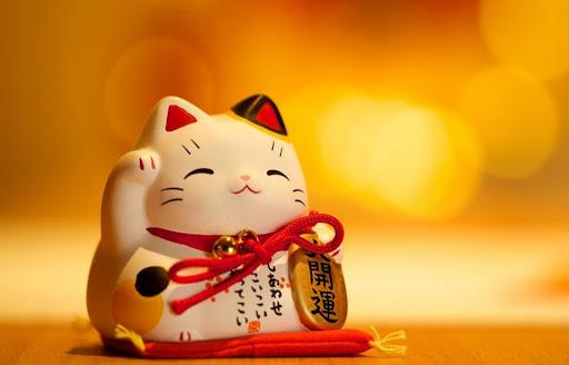 Mèo Maneki Neko là một trong những biểu may mắn của người Nhật Bản