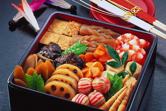 """Cả gia đình sẽ quây quần cùng nhau thưởng thức một hộp """"ojubako"""" vào ngày đầu năm mới."""
