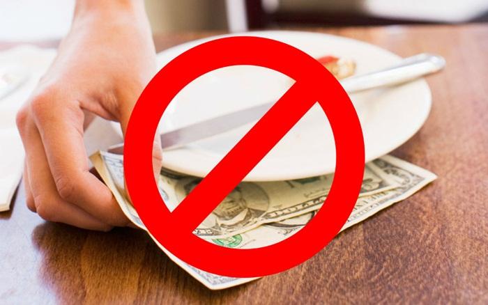 Người Nhật không bao giờ nhận tiền tips