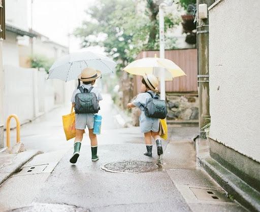 Luôn mang ô theo mình là điều mà người Nhật đã được rèn luyện từ bé,