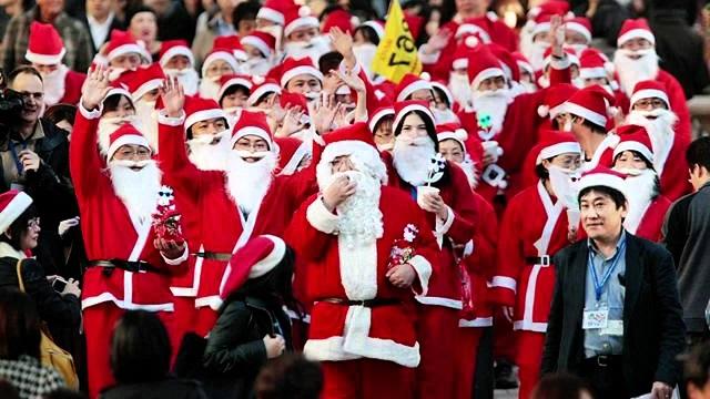 Biểu tượng của giáng sinh chính là ông già Noel, người Nhật thường gọi là Santa Kuroshu