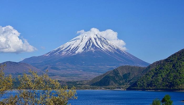 Núi Phú Sĩ là biểu tượng văn hóa của nước Nhật