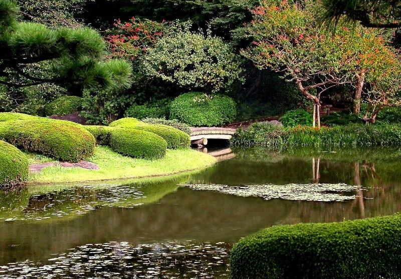 Khu vườn tuyệt đẹp ở phía đông hoàng cung Nhật Bản
