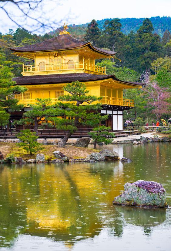 Khám phá kiến trúc chùa vàng Nhật Bản