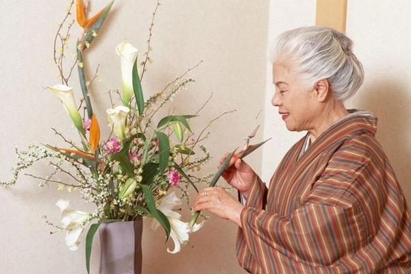 Nguồn gốc của nghệ thuật cắm hoa Nhật Bản Ikebana