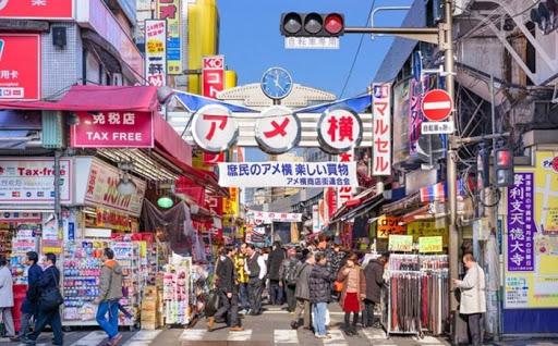 Khu chợ Grand Nishiki, Kyoto là nơi tập trung rất nhiều người Việt