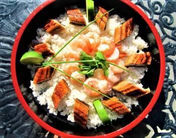 Chirashizushi: Cơm sushi tươi sống