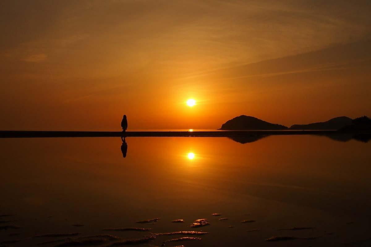 Là chiếc gương nước tuyệt đẹp và được gọi là hồ muối Uyuni của Nhật Bản