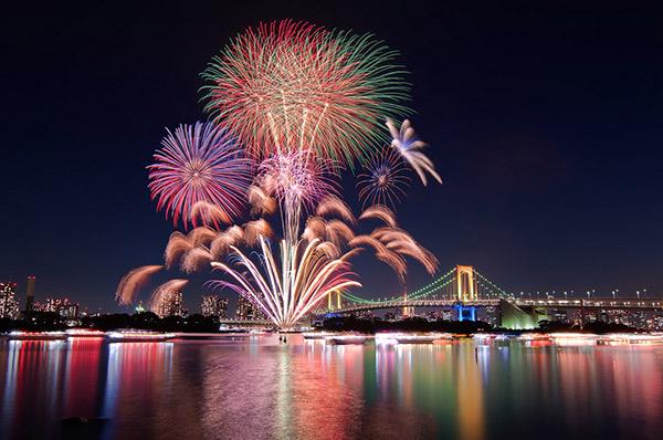 Sumidagawa là lễ hội pháo hoa lâu đời nhất thế giới.
