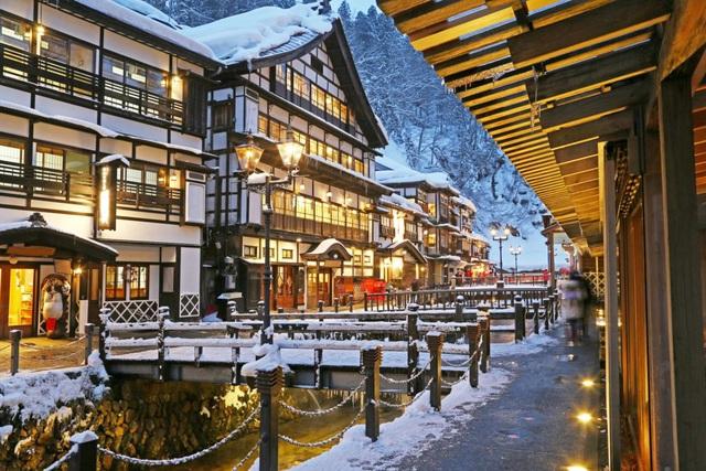 Ginzan Onsen được mệnh danh là ngôi làng mùa đông quyến rũ nhất Nhật Bản