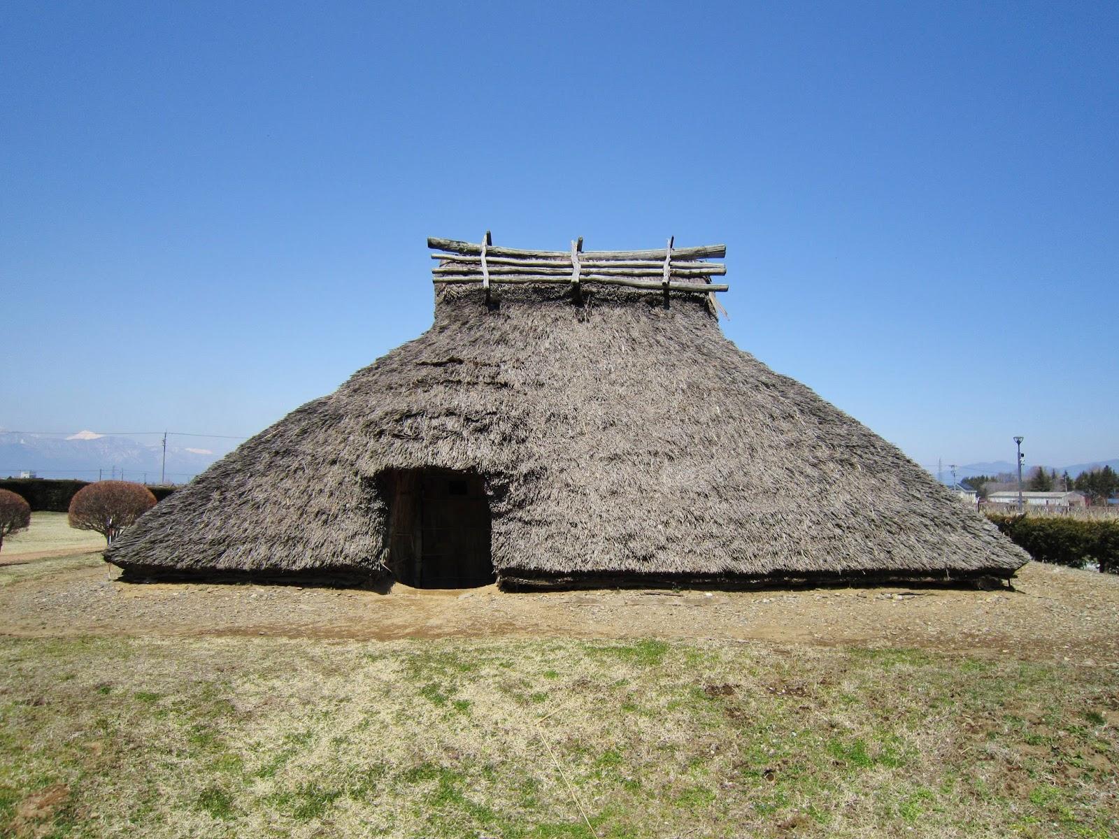 Những ngôi nhà kiểu Tateana của kiến trúc Nhật Bản cổ đại