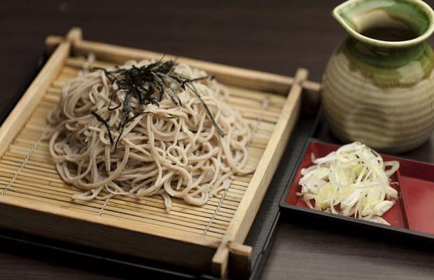 Hấp dẫn món mì soba lạnh món ngon truyền thống của người Nhật
